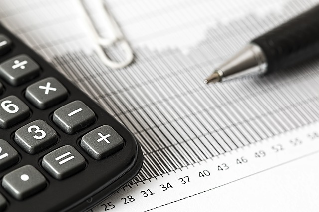 why-should-you-become-an-accountant-f